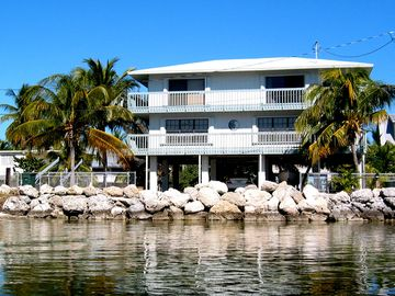 Lower Matecumbe Key house rental - Chesa Mare as seen from the cove