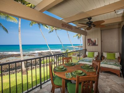 Lanai w/teak table & chairs and comfy large wicker loungers!