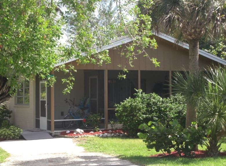 Sanibel Island Hotels: 2 Bedroom Cottage Sanibel Island Two Blocks...