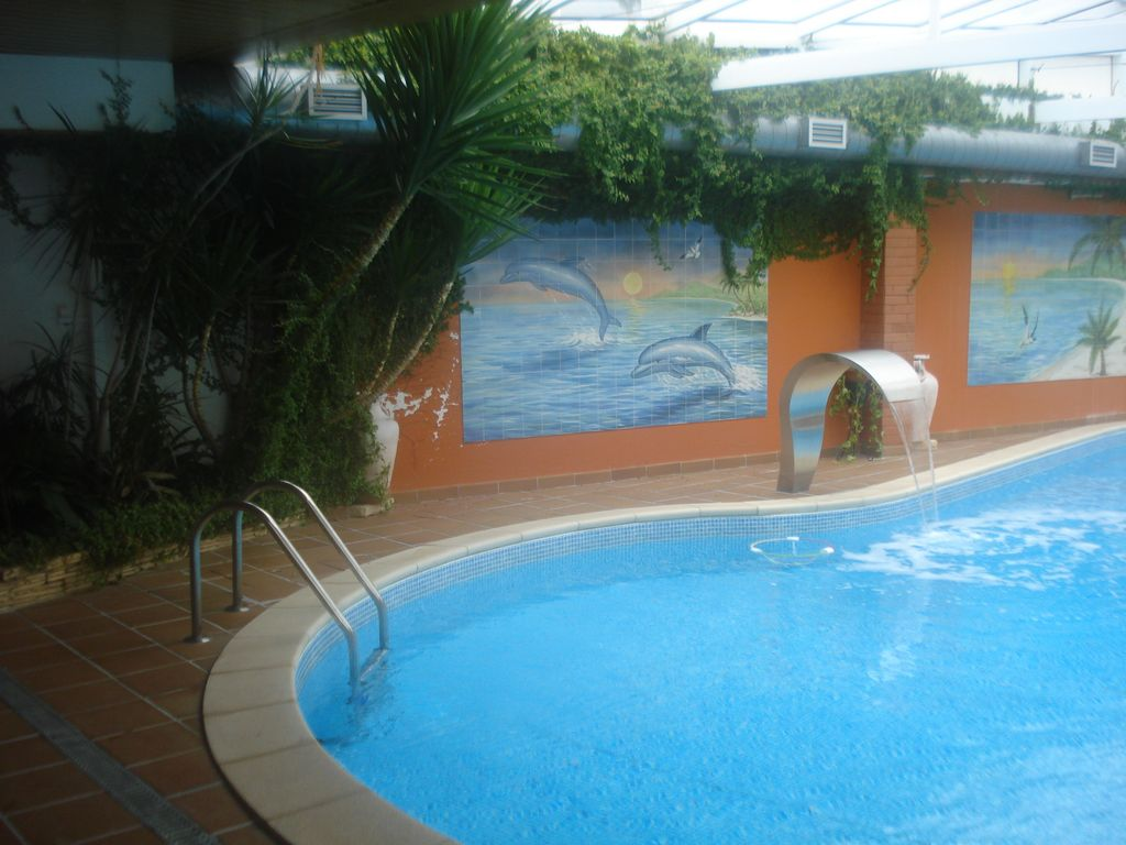 Accommodation near the beach, 390 square meters, with garden
