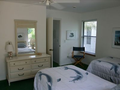 "2nd Bedroom with two twin extra-long  (Simmons ""Beauty Rest"") beds"