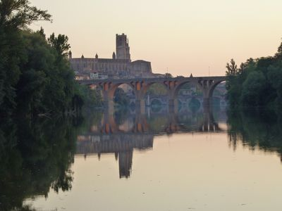 ALBI House, exceptional site, the countryside to the city, on the banks of the Tarn