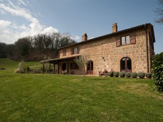 Proceno farmhouse photo