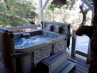 Big Bear Lake cabin photo - Jacuzzi