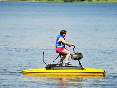 Marcell cabin rental - The Hydrobikes are very fun for both kids and adults.