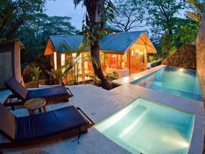 Bali Tree House, Jungle Paradise, Beach & Relaxed life style in Manuel Antonio!
