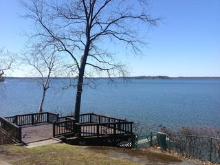 Saratoga lake direct waterfront beautiful homeaway for Vacation rentals in saratoga springs ny
