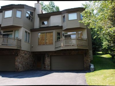 This spacious home is conveniently located on Vail's Golf Course
