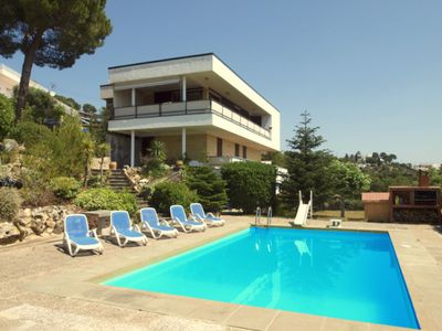 Beautiful classic villa with stunning sea views & private pool