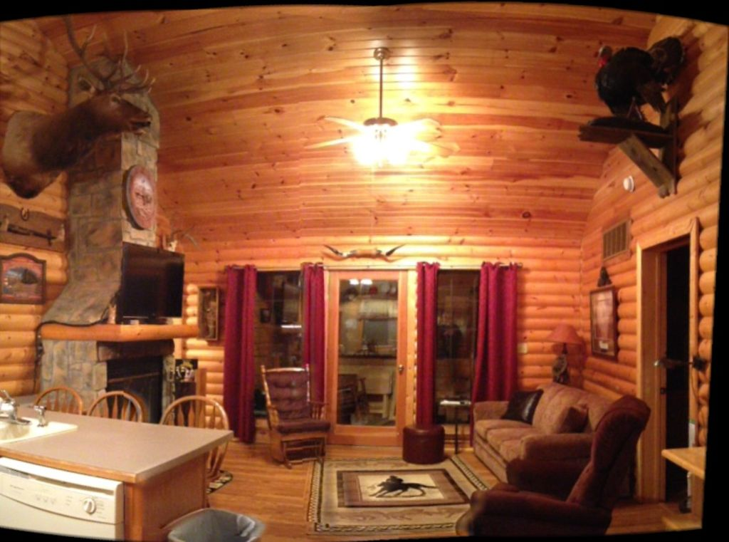 Log cabin wooded secluded 2 jacuzzi wifi vrbo for 7 bedroom cabins in branson mo