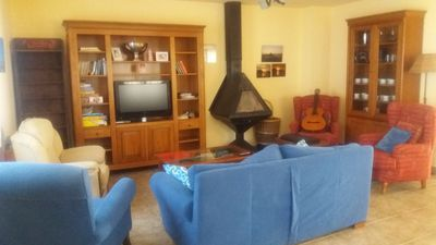 Rural house, air conditioning, barbecue next to the bardenas and footpath vi