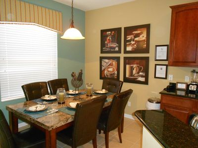 Windsor Hills villa rental - Family dinner in style