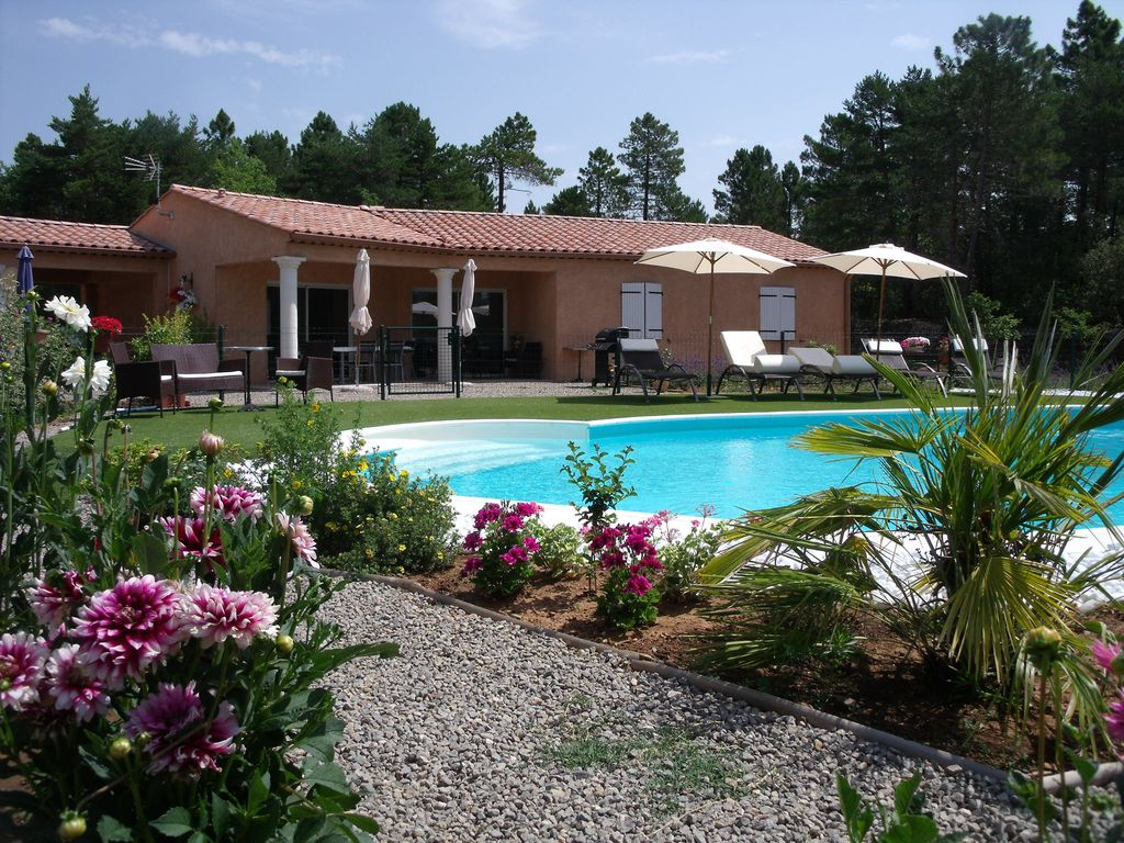House, 104 square meters, with pool