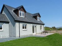 ARDLEA, pet friendly, with a garden in Fionnphort, Ref 16813