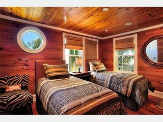 Key West house photo - The Hemingway Bedroom has two twin beds that convert to a king.