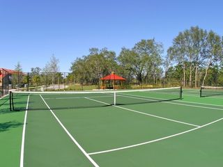 Emerald Island house photo - Tennis court
