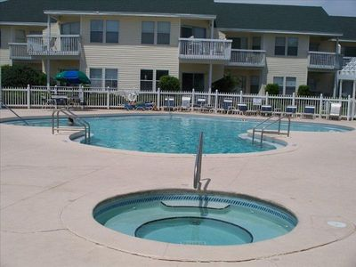 5 pools & hot tubs