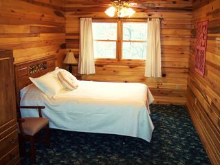 Pipestem cabin photo - Master Bed Room