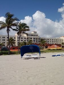 Beach view of the Hollywood Beach Resort