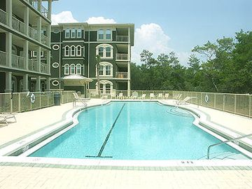 Seaview Villas condo rental - Best Ocean view in the Villas; Top floor at end of the 2000sqft pool.