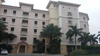 Large 2 bedroom condo with access to pool & boat dock, minutes from the ocean