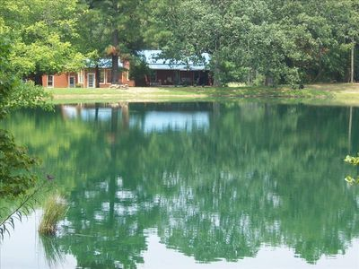 Super lakeside rental near vrbo for Jordan lake nc fishing