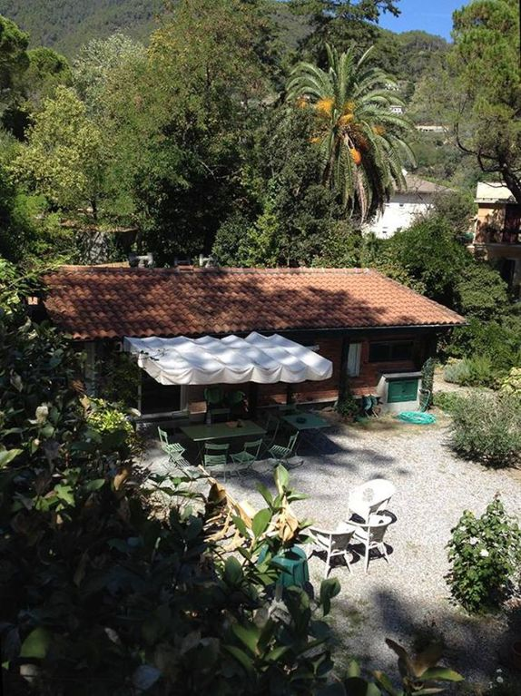 Monterosso Al Mare: Charming house with peaceful garden in private park