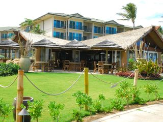 Waipouli condo photo - Oasis bar and restaurant is wonderful. It faces the ocean.