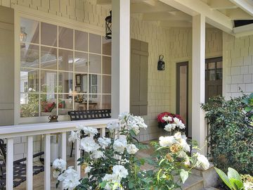 Montecito house rental - Front entrance - Blooming flowers welcome you to your vacation.