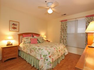 Isle of Palms condo photo - The Queen's bedroom
