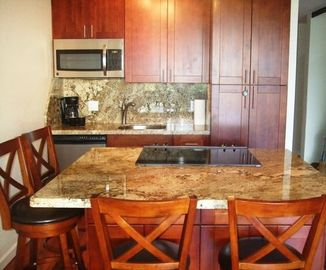 Slab Granite - Oversided Island - Stainless Steel Appliances (full size) - W/D
