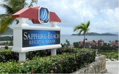 Directly on the beach ~ Gorgeous views, gentle breezes, Updated int. w/ Wifi