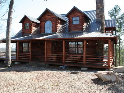 This cabin is one of the few cabins in our area with a view of Broken Bow Lake.