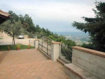 Todi farmhouse rental