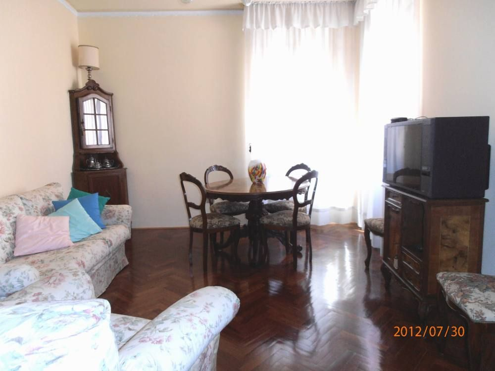 An oasis of calm in the historical center of vrbo for Living room 983