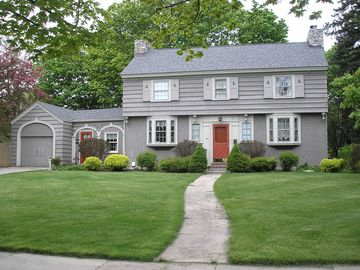 Sturgeon Bay house rental - Charming Colonial in a quiet residential neighborhood