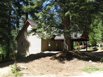 Yosemite National Park house rental - Hummingbird Pines House.