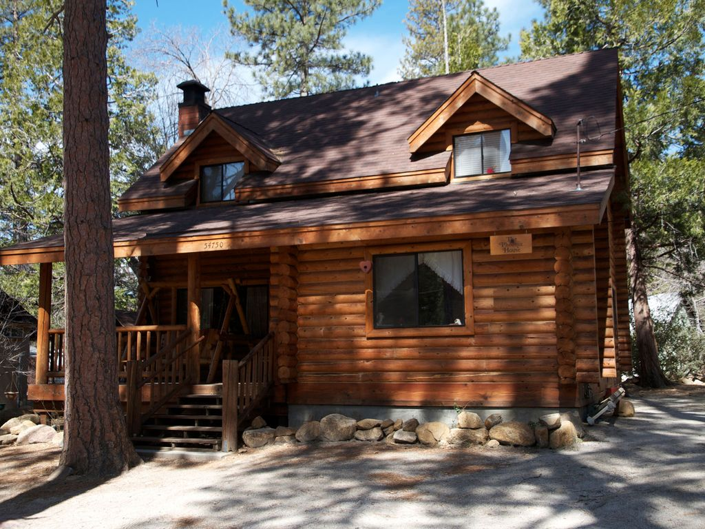 Beautiful 3 bedroom 2 bath log cabin with homeaway Log cabin 2 bedroom