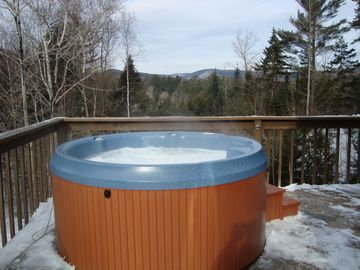 Mountain Views and Exterior Hot Tub on Deck