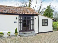 SUNDANCE BARN, country holiday cottage in Dereham, Ref 20796