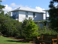Modern, Spacious Contemporary Carriage House in Seacrest  ** incl bikes