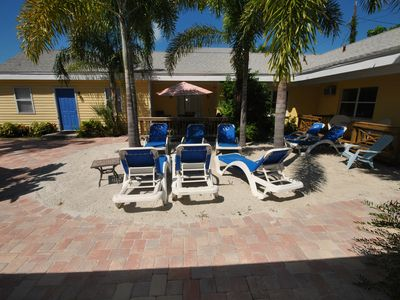 Siesta Key villa rental - Relaxing courtyard area!