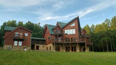 7 BR 6.5 Bath Lodge with Amazing Views. Can accommodate the Entire family