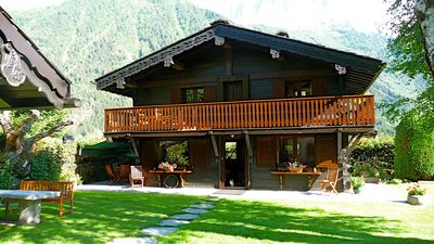 Beautiful charming chalet, 5 stars, 2 steps from downtown
