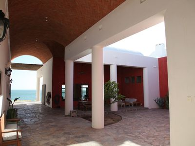 Kino Bay villa rental - Courtyard in mid-afternoon. Shady with a nice afternoon breeze.
