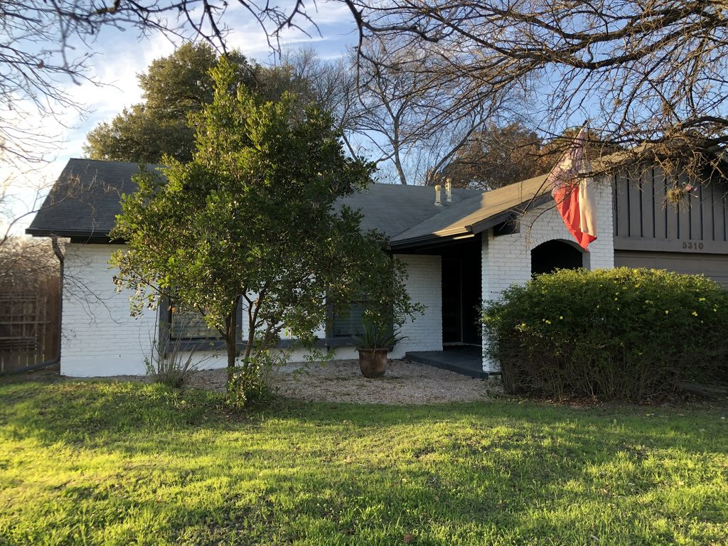 Charming south Austin home in a quiet neighborhood close to downtown