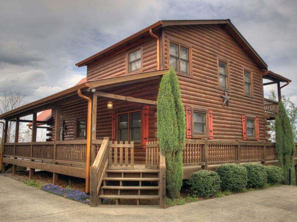 5 br cabin blue ridge lake mountain views vrbo for 8 bedroom cabins in blue ridge ga