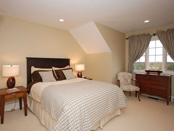 1 of 5 Upper bedrooms - Queen bed