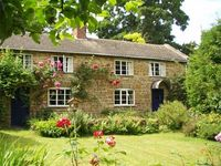 Charming old world cottage on fringe of Cotswolds