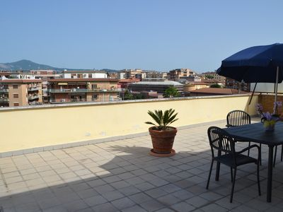 Attic light with terrace of 300 meters, close to all amenities